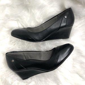Life Stride slip on black wedge shoes 8.5M EUC